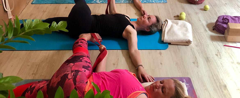 4x Živá jóga sprincipy terapeutické jógy 4