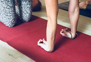4x Živá jóga sprincipy terapeutické jógy 3